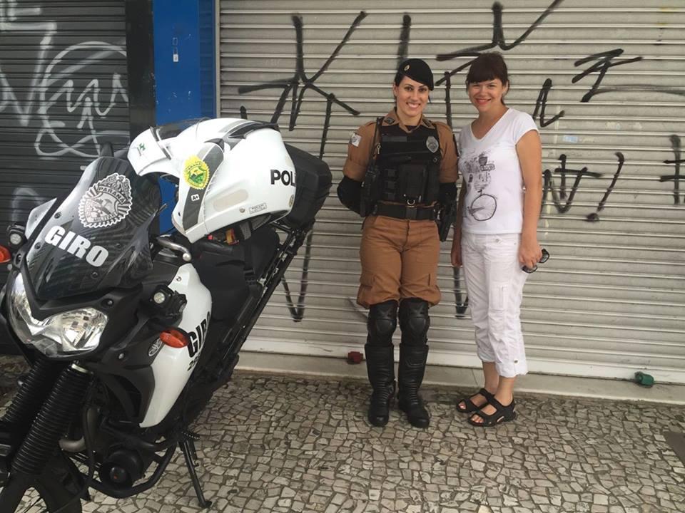 На фото зображена бразильська поліціянтка, її прадід-галичанин разом з індійським вождем полювали у джунглях Бразилії
