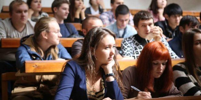 """""""І як тут стати майбутнім нації…"""": у чому біда української освіти"""