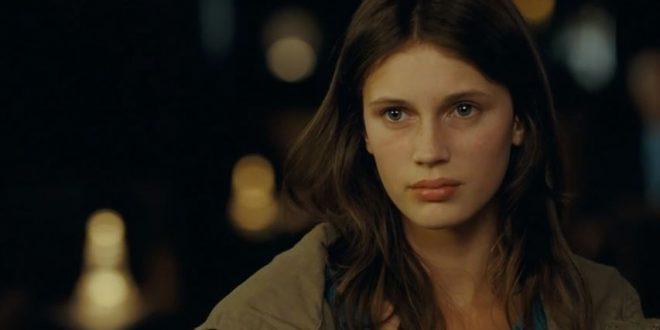 «Молода і прекрасна»: еротична драма у французькому обрамлені